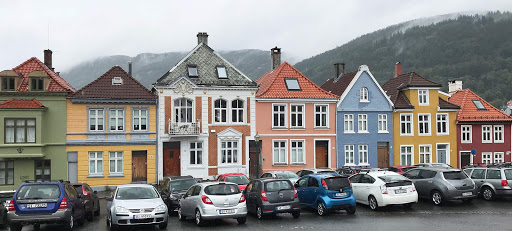 Bergen-shops-and-buildings.jpg - Colorful shops and buildings on the hilltop of Bergen.