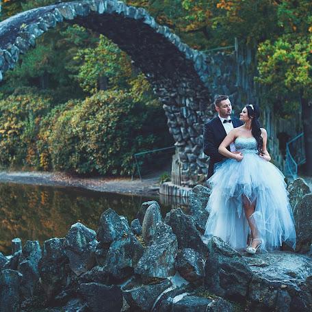 Wedding photographer Pawel Klimkowski (klimkowski). Photo of 16.10.2017
