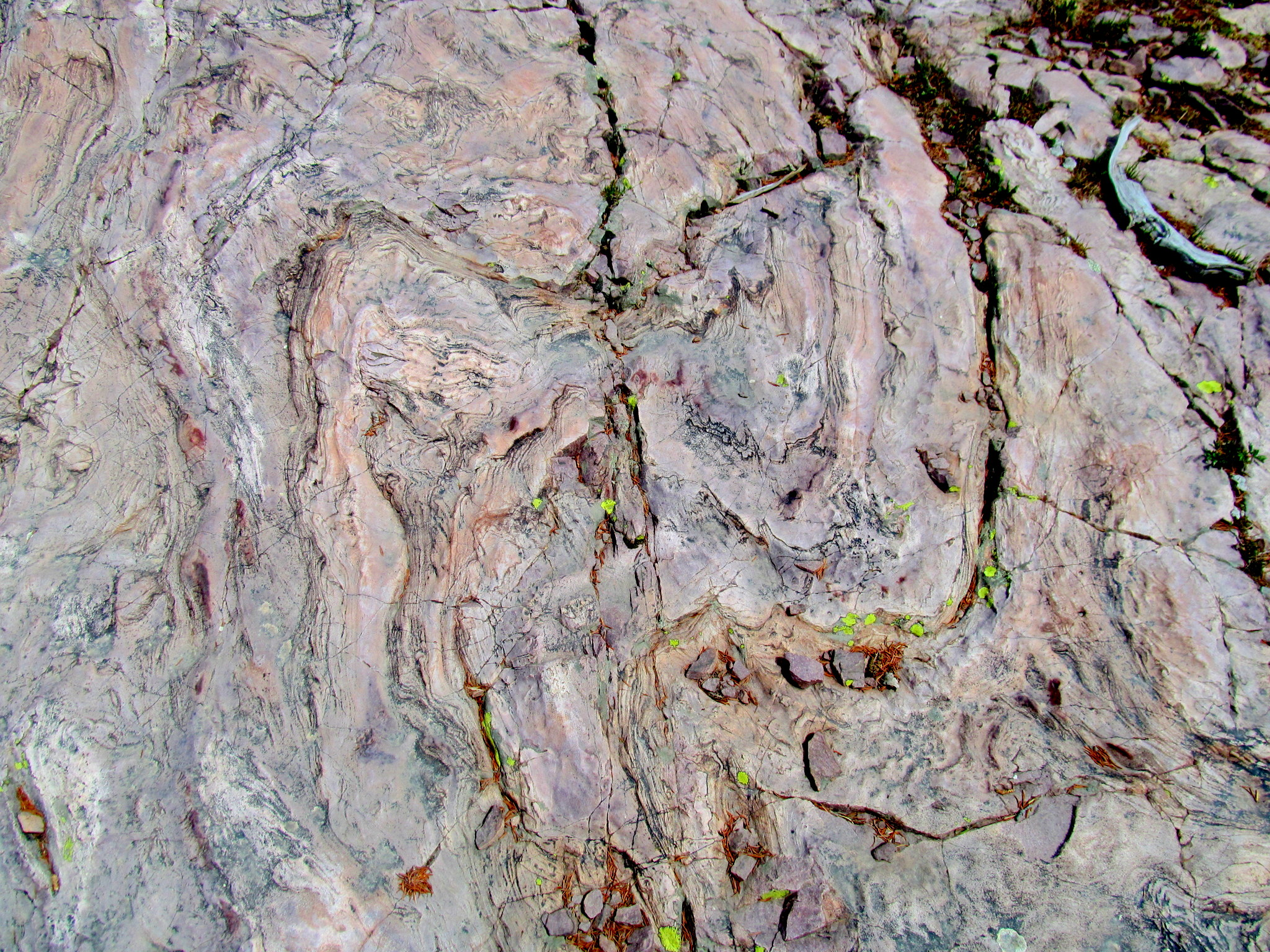 Photo: Patterns in the quartzite
