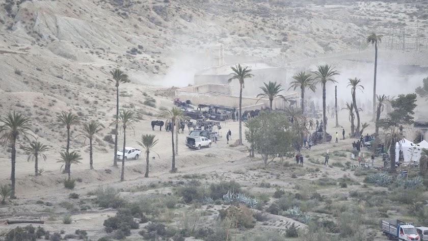 Imponente llanura de El Chorrillo, salpicada de palmeras y de sets de rodaje, durante la filmación de Exodus.