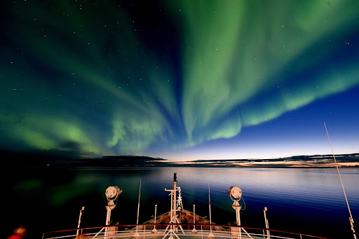 Ponant-Victoria-Island-Northern-Lights.jpg - Marvel at the Northern Lights near Victoria Island in the far north of  Canada on a Ponant cruise.