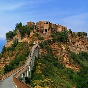 Civita di Bagnoregio by Lanis Rossi - Landscapes Travel