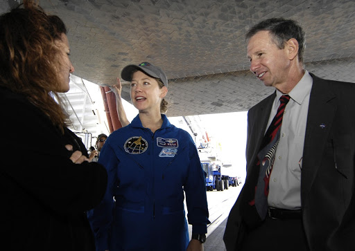 Space shuttle Discovery Commander Pam Melroy tlaks with NASA Administrator Michael Griffin landed at NASA's Kennedy Space Center.