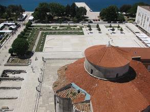 Photo: Sint-Donatuskerk en Romeins forum in Zadar