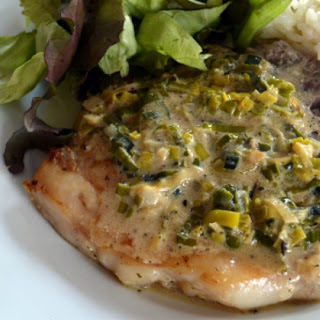 Pork Chops with Leek and Garlic Sauce
