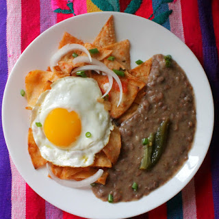 Red Chilaquiles (Chilaquiles Rojos).