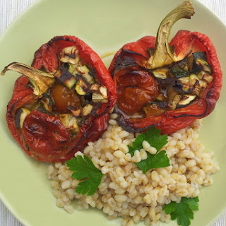 Roasted Red Peppers, Pesto and Courgettes on Wheatberries [vegetarian]