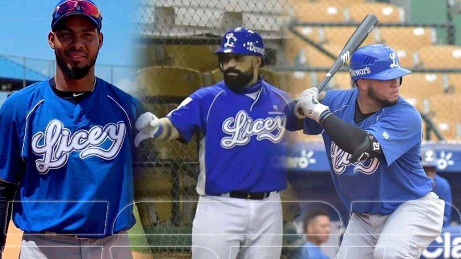 Jugador de béisbol con uniforme azul  Descripción generada automáticamente