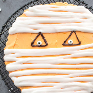 Halloween Mummy Giant Chocolate Chip Cookie