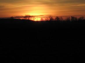 Photo: Już początek wędrówki jest obiecujący. Jesteśmy świadkami urokliwego wschodu słońca.