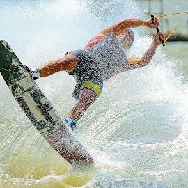 by Abu  Janjalani Abdullah - Sports & Fitness Watersports