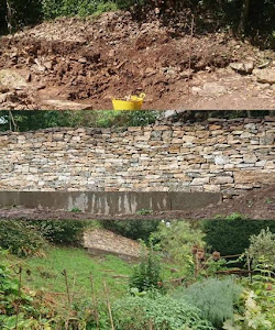 Dry stone retaining wall near Stroud UK