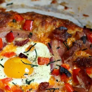 Bacon, Egg & Cheese Breakfast Pizza