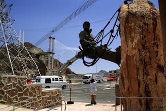 Photo: Pomnik budowniczych tamy.