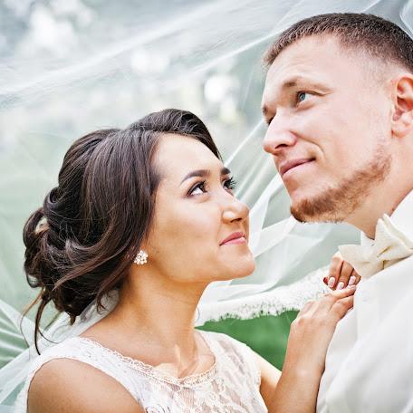 Wedding photographer Marina Mikhnenko (marusakz). Photo of 24.10.2016