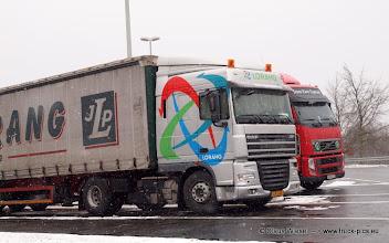 Photo: DAF von LORANG (L) & VOLVO FH    ---> www.truck-pics.eu