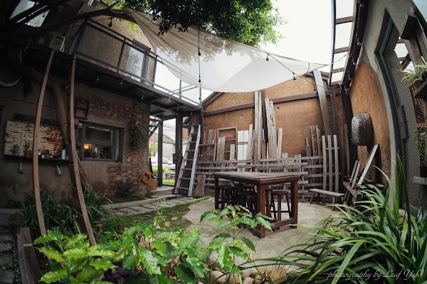 炎生caffè│農家廢墟變身綠蔭庭院,來彰化廢墟喝咖啡拍美照吧!彰化老宅咖啡、彰化廢墟咖啡