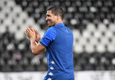 """On part pas sans Belhocine!"" - Fans Charleroi euforisch, coach iets minder: ""Ik begrijp het niet"""