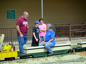 Photo: Andy Isles and his children talk with Donna Greene     HALS Chili Fest Meet 2014-0301 RPW