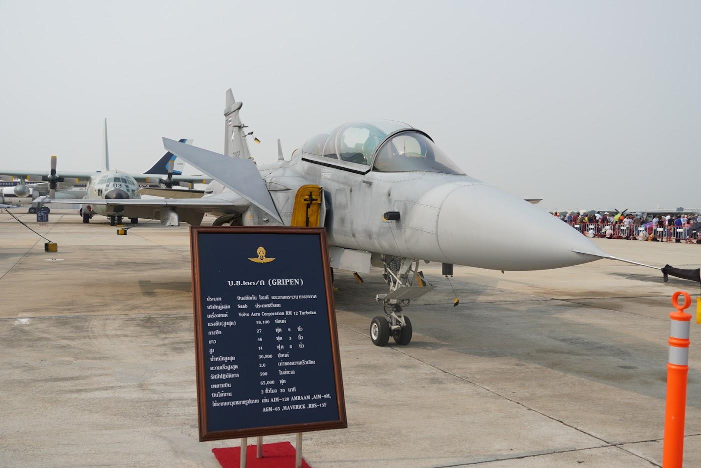 ドンムアン空港の航空ショーと、もうすぐ開業するBTSの延伸区間