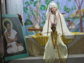 Photo: A new Bigraha of Prabhusundar in the centenary temple in Faridpur Sri-Angan (February 4, 2009)