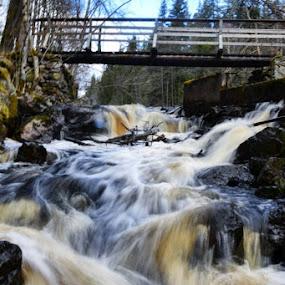 #ig_europe #hiking #trekking #ourcamplife #ig_wildplace #igglobalclub #ig_respect #igmasters #igrecommend #ig_exquisite #awesomeglobe #awesomeearth #bns_waters #wetravel #alldaytravel #river#höglandsleden #sweden #tlpicks by Walle Grevik - Landscapes Waterscapes (  )