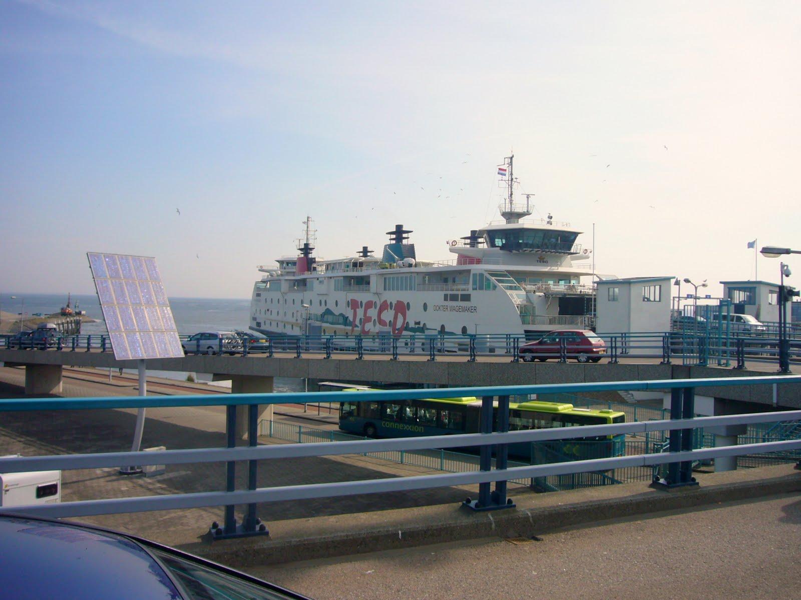Photo: Wachten op de boot naar Texel