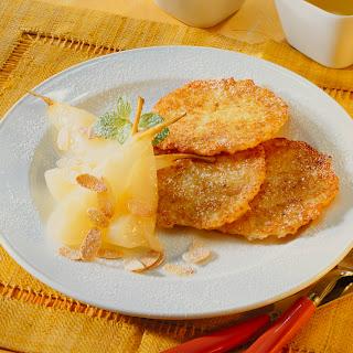 Kartoffelpuffer mit gedünsteten Birnen