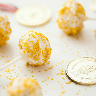 Go for the Gold with White Russian Cake Pops
