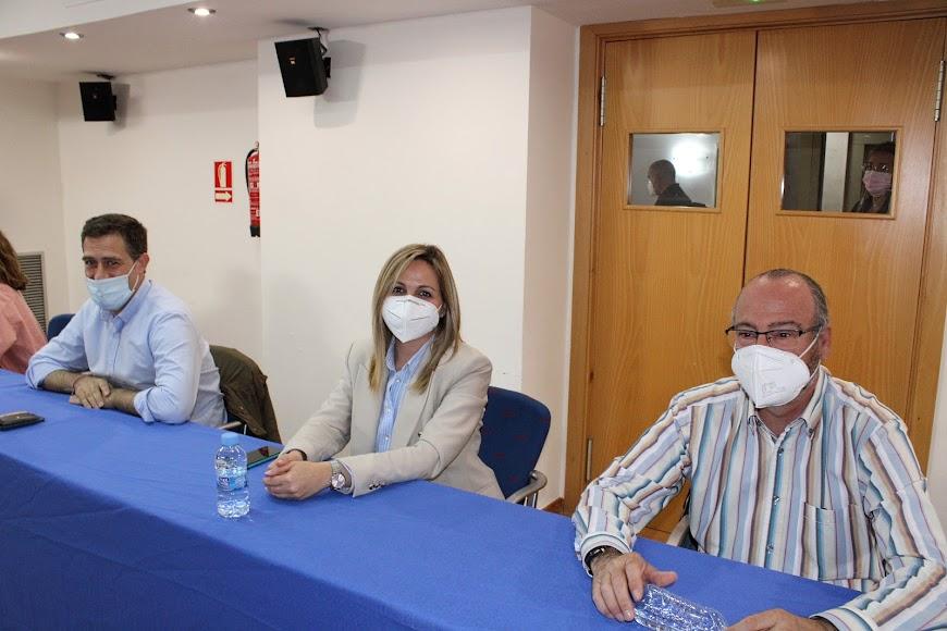 Miguel Ángel Castellón, Rocío Sánchez y Luis Rogelio Rodríguez-Comendador.