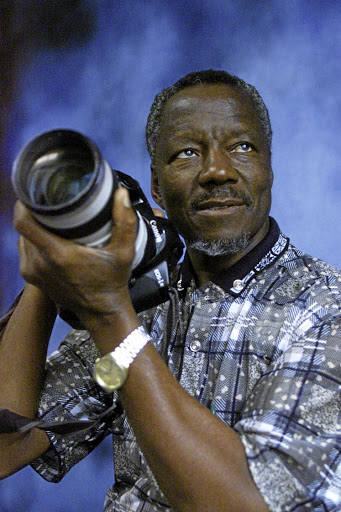 Photojournalist Sam Nzima to be given special provincial official funeral.