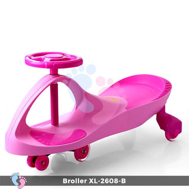 xe lắc màu hồng cho bé gái