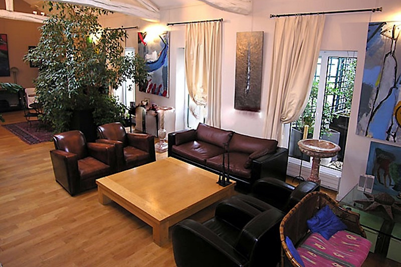 Living room at Pantheon apartment