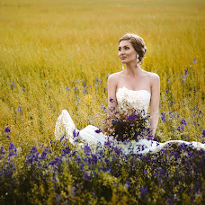Wedding photographer Aleksandra Osadchaya (Guenhwyvar). Photo of 11.08.2015