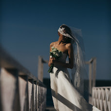 Wedding photographer Vasiliy Tikhomirov (BoraBora). Photo of 17.10.2016
