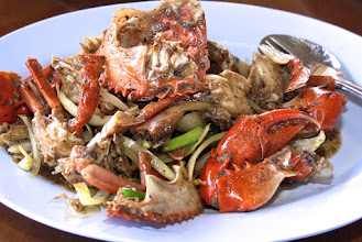 Photo: stir-fried crab with black pepper and scallions