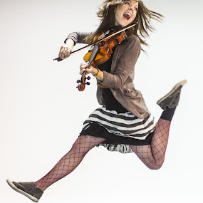 Linsay Stirling by Nathan Isaksen - People Musicians & Entertainers ( lindsay stirling, violin, jump )