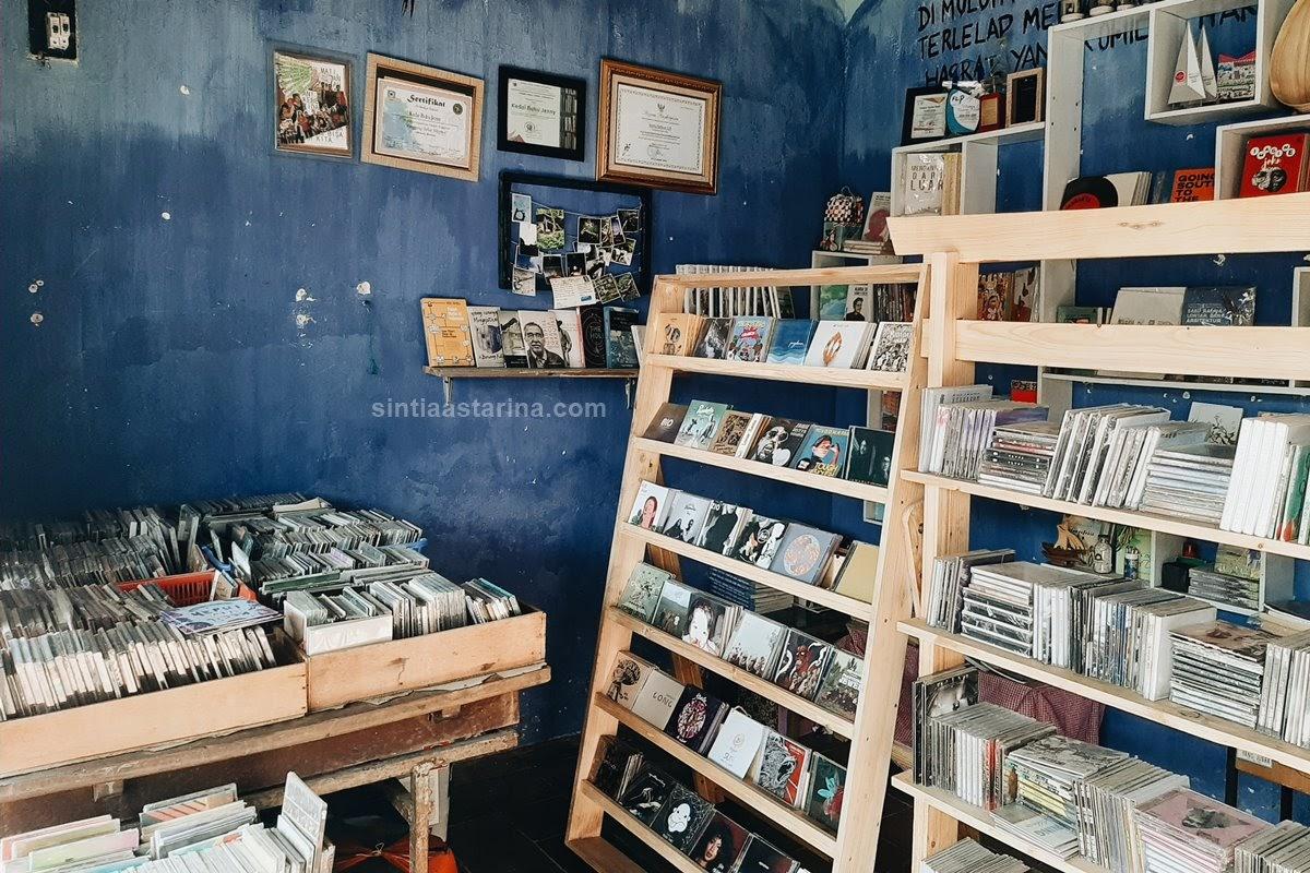 kedai buku jenny makassar