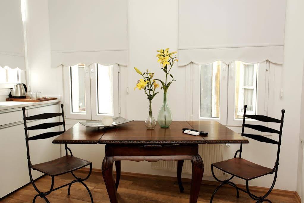 The White Swan Suites Beyoglu
