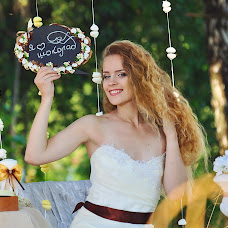 Wedding photographer Tatyana Semenova (TatjanaSemionova). Photo of 01.08.2014