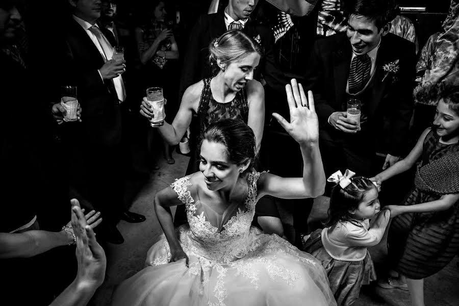 Wedding photographer Leonel Longa (leonellonga). Photo of 25.03.2019