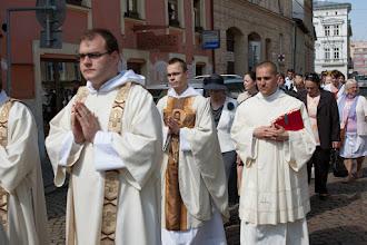 Photo: průvod od kláštera...
