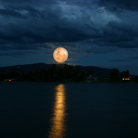 The Super Moon by Reinilda Sissons - Landscapes Waterscapes (  )