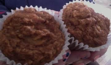 Super-moist carrot-pinapple muffins