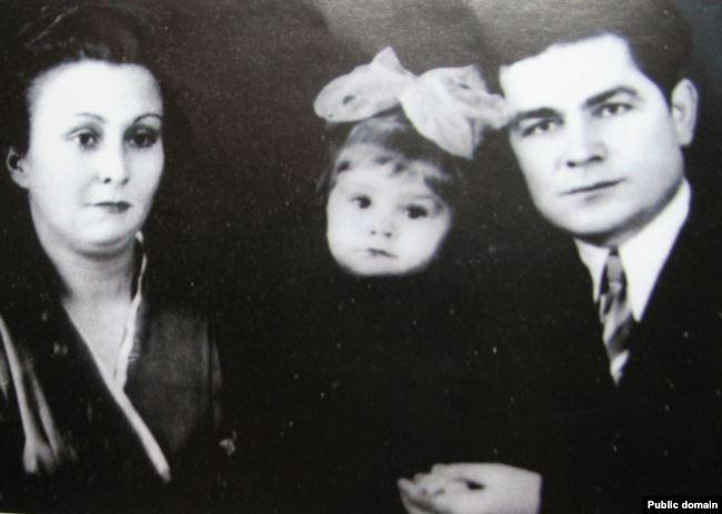Василь Макух з дружиною Лідою та дочкою Ольгою
