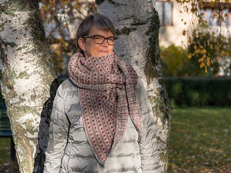 Karolina - Sjal med hjärtmönster