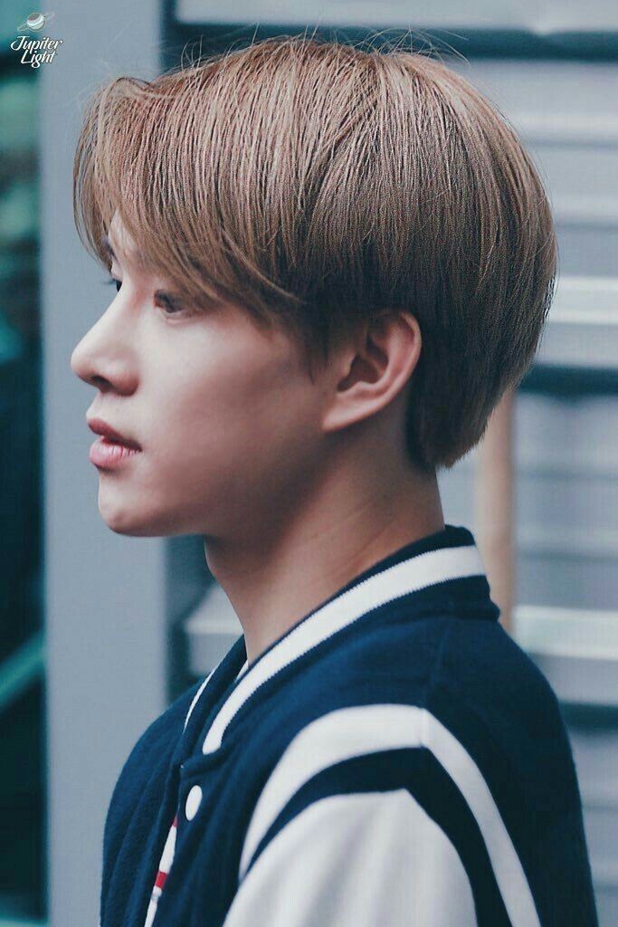 jungwoo profile 10