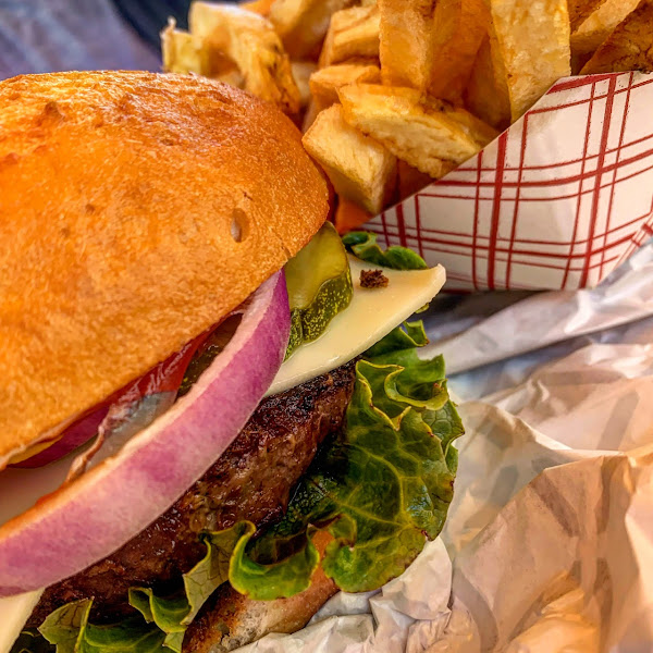 Gluten-Free Burgers at Wild Willy's Burgers