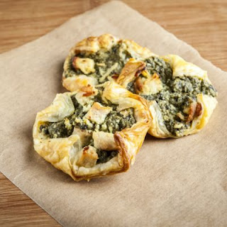 Cheesy Spinach-Stuffed Crescents