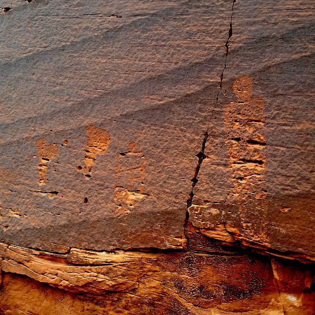 Petroglyphs along the Green River